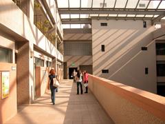 第三教學大樓
